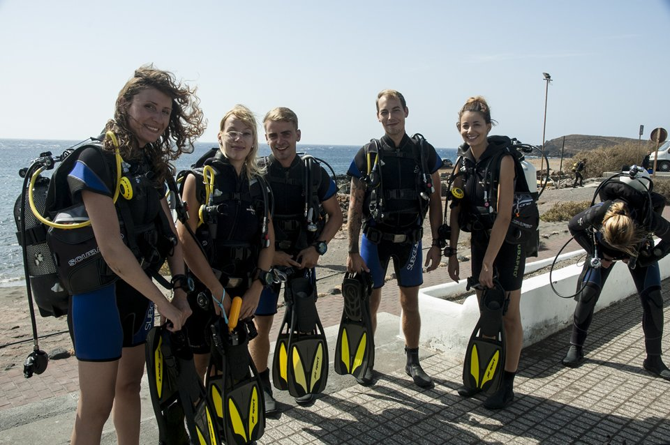 PADI Scuba diving training in Tenerife