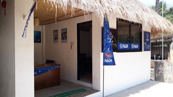 Dive Center Reception at Pirates Diving Resort Coron