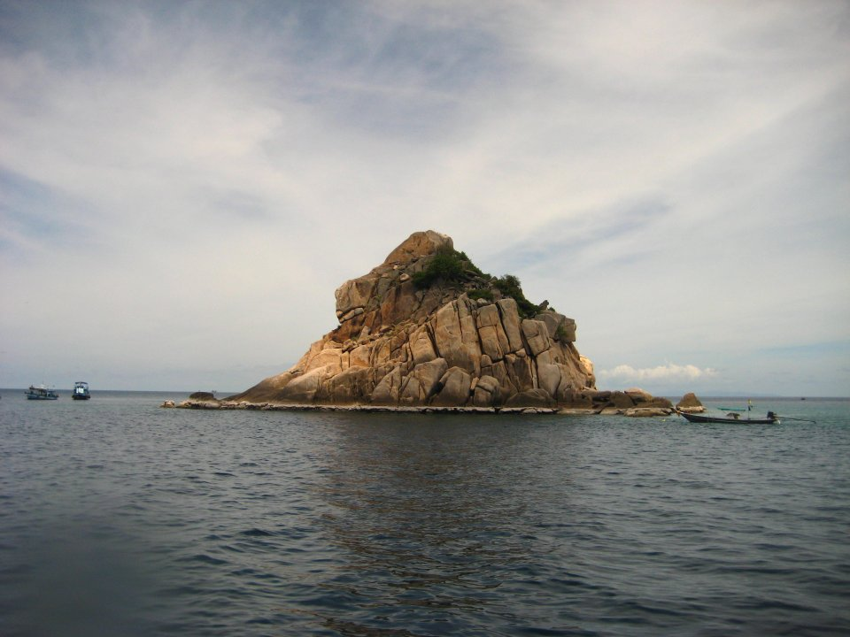 shark island from surface