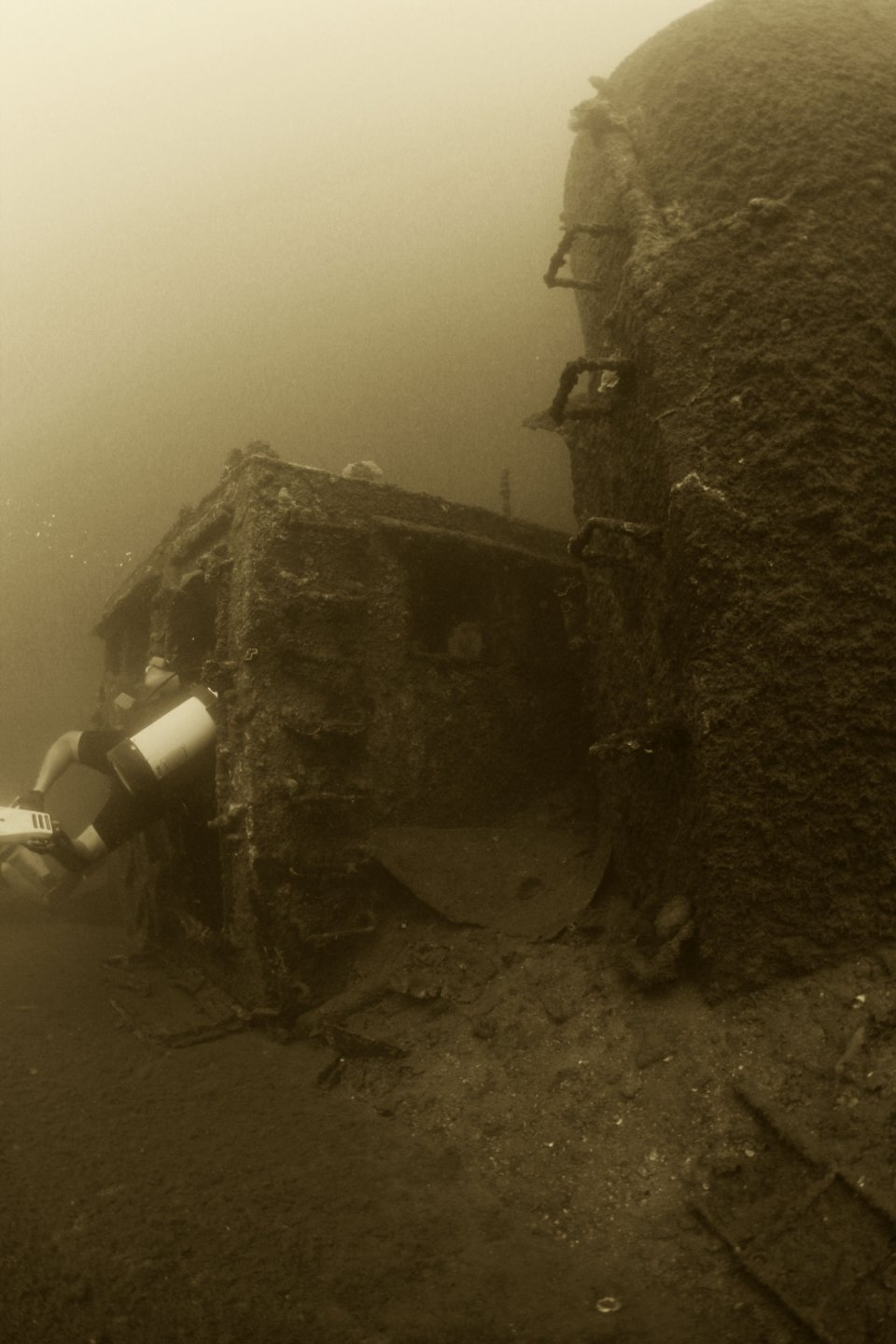 Wreck Diving Subic Bay (3)
